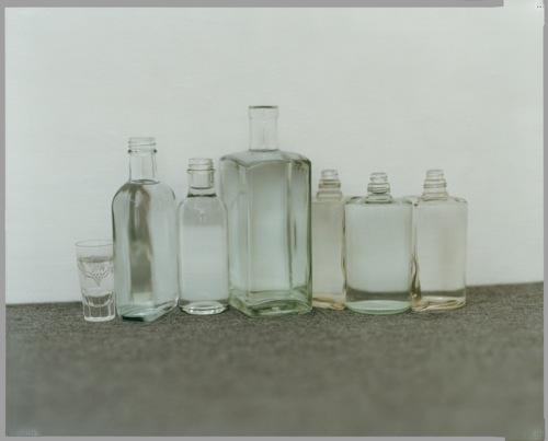 akio tomari,bottles